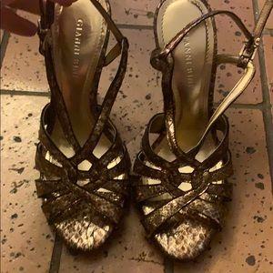 Gianni Bini brown snake skin heels!